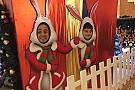 Felipe Masa se integra al espíritu navideño junto con su hijo