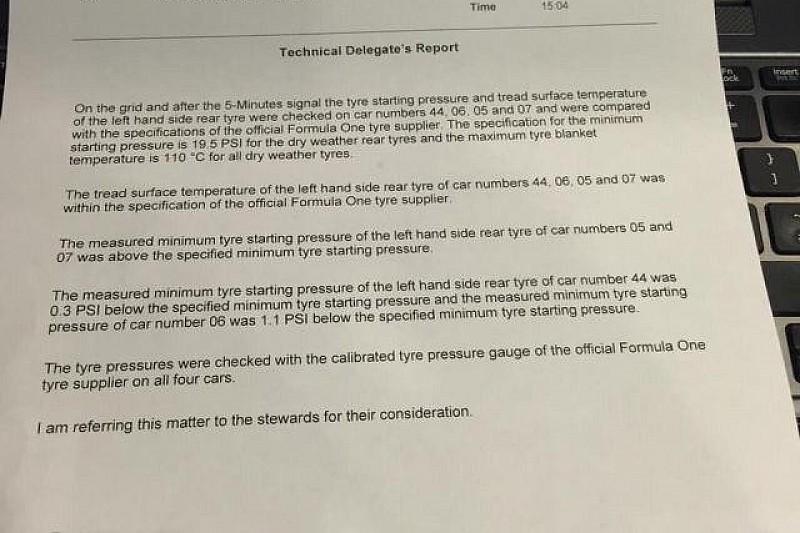 Гонщики Mercedes викликані до стюардів