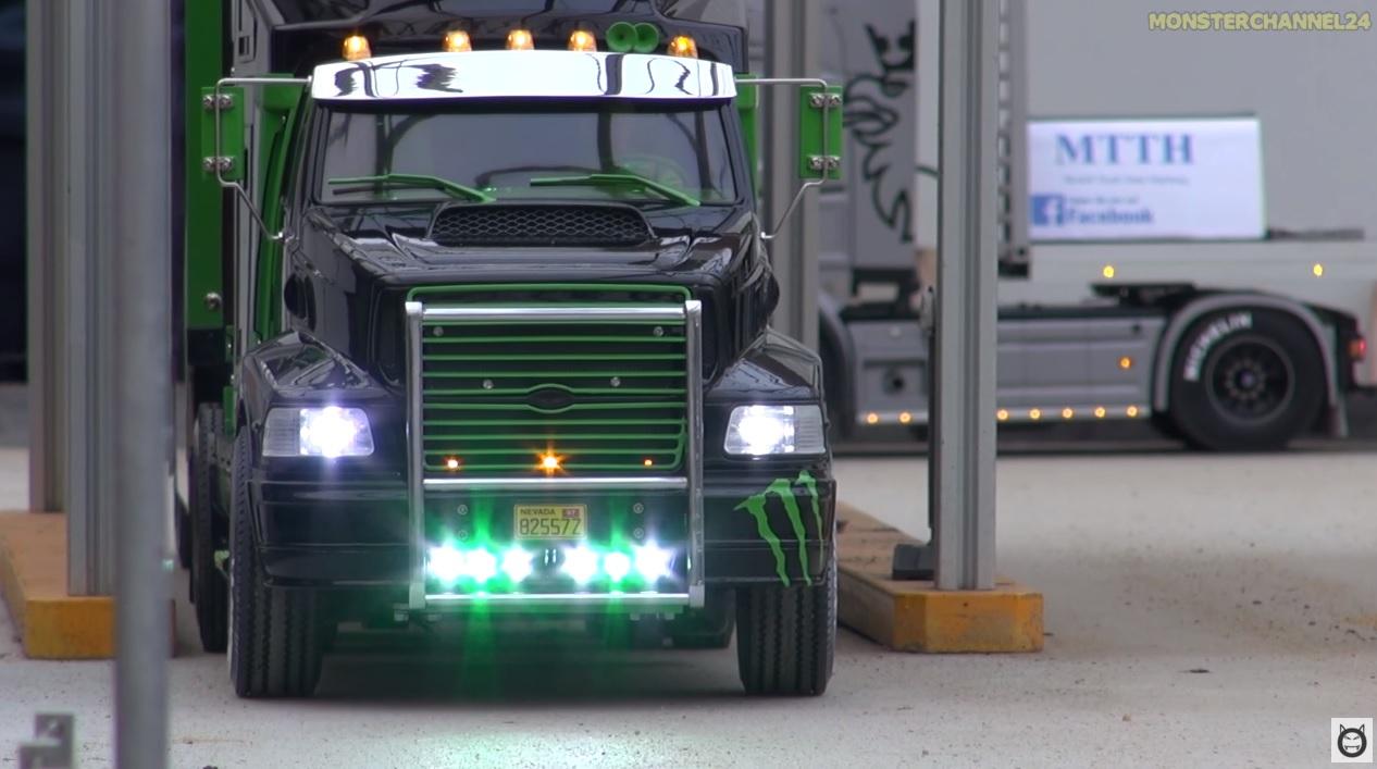 Nagyon király: egy távirányítós Ken Block kamion!