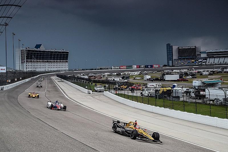 Гонка IndyCar в Техасі відкладена до серпня