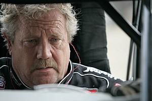 World of Outlaws Breaking news Sprint car legend Steve Kinser announces retirement