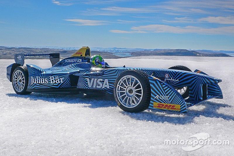 ディ・グラッシが北極圏でフォーミュラEマシンをドライブ。地球温暖化防止を呼びかける。
