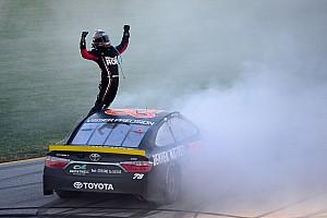 NASCAR Sprint Cup Résumé de course Truex gagne au Chicagoland et passe à la phase suivante du Chase