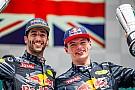 Ricciardo revela que evoluiu após chegada de Verstappen
