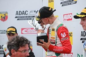 F4 BRÉKING Mick Schumacher édesapját idézte: elképesztő szólót vágott le és második lett