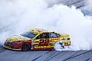 NASCAR: Joey Logano sichert Verbleib im Chase mit Talladega-Sieg