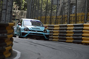TCR Résumé de course Courses - Stefano Comini champion dans le chaos