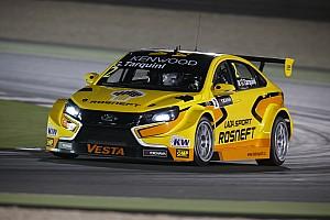 WTCC Raceverslag WTCC Qatar: Tarquini wint openingsrace na code rood