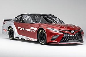 Monster Energy NASCAR Cup News Bildergalerie: Toyota präsentiert neues NASCAR-Auto für 2017