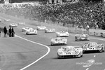 Pedro Rodrguez (#18) in June 1971 at the start of the 24 Hours of Le Mans, for the last time, in the amazing Porsche 917LH, in front of Vic Elford.