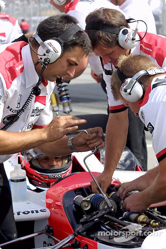 Team Penske getting ready for practice