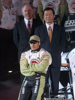Jacques Villeneuve with David Richards and Toru Ogawa