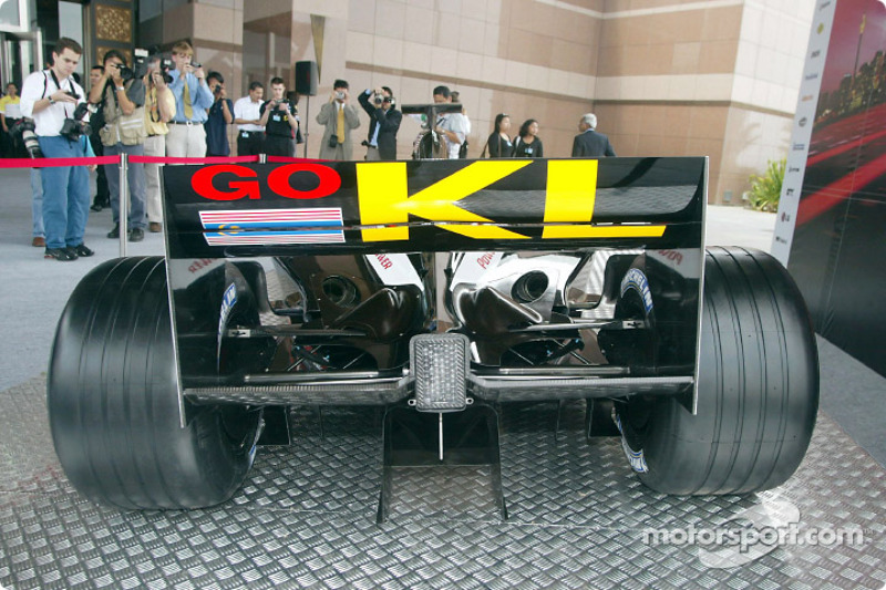 The new Minardi Asiatech PS02: rear end