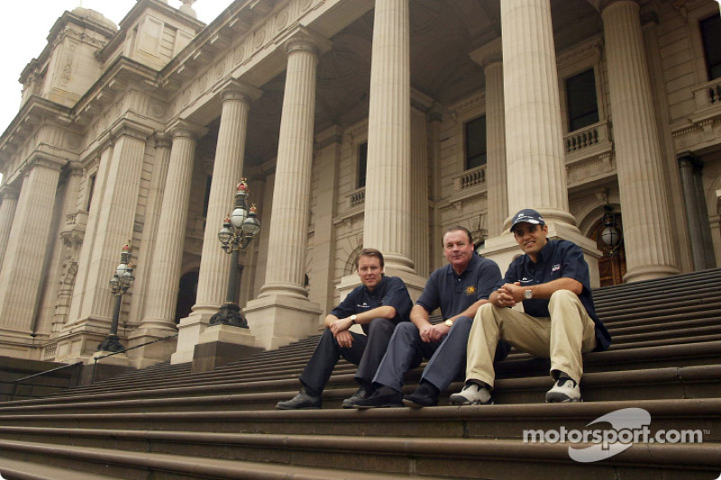Compaq driver day: Sam Michael, Williams Chief Operations Engineer, Alan Jones, former Williams World Champion, and Juan Pablo Montoya