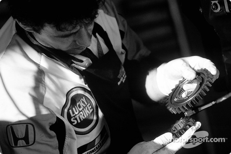 BAR crew member and gears