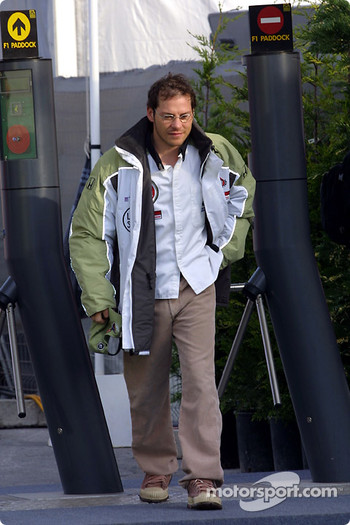 Jacques Villeneuve arriving at the track