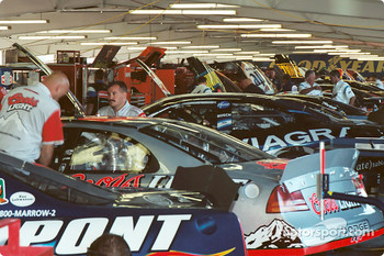 A busy crowded garage