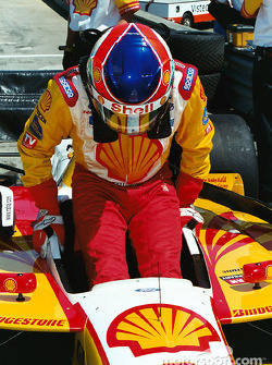 Vasser enters cockpit