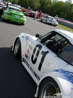 D.L.G.L. Racing Porsche GT3 Cup on the starting grid