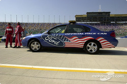 The Ford Taurus pace car