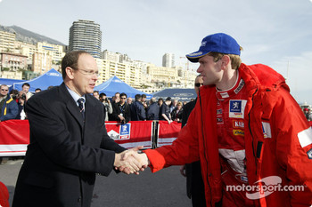 Prince Albert de Monaco shakes hands with Marcus Gronholm