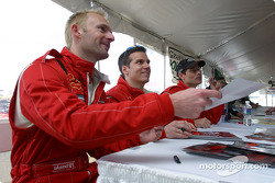 Autograph session: Ralf Kelleners, Anthony Lazzaro and Johnny Mowlem
