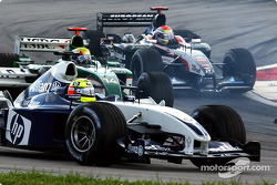 First corner: Ralf Schumacher and Mark Webber