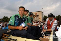 #18 Pescarolo Sport Courage C60-Peugeot: Éric Hélary, Soheil Ayari, Nicolas Minassian