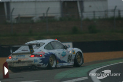 #84 T2M Motorsport Porsche 911 GT3: Vanina Ickx, Patrick Bourdais, Roland Berville back on the track