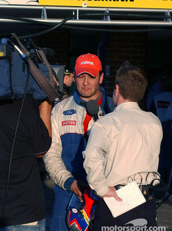 Fernandez being interviewed after qualifying
