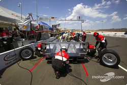 Pitstop for #1 Infineon Team Joest Audi R8: Frank Biela, Marco Werner