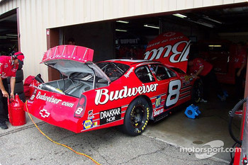 Dale Ernhardt Jr.'s car being serviced