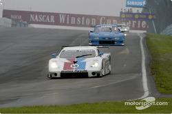 #59 Brumos Porsche-Porsche Fabcar into turn one