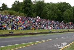 37,000 Record crowd at Cadwell Park