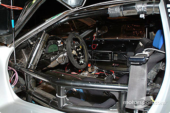 #900 Rollcentre Racing Ltd Mosler MT900R cockpit