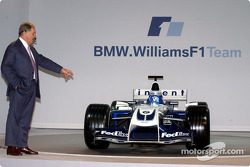 WilliamsF1 Technical Director Patrick Head with the new WilliamsF1 BMW FW26