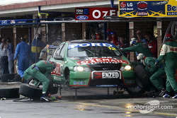 Pitstop for John Bowe