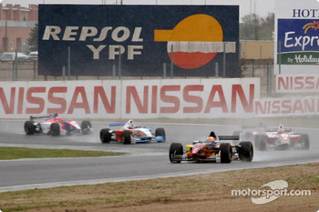Start: Enrique Bernoldi leads the field