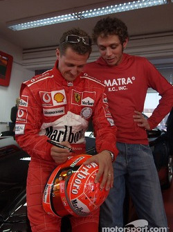 Valentino Rossi visits nearby Fiorano track: Michael Schumacher and Valentino Rossi
