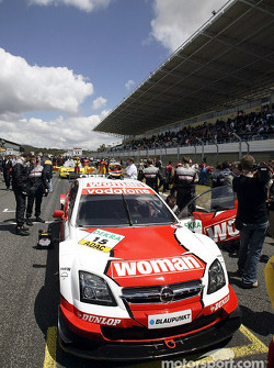 Timo Scheider on the starting grid