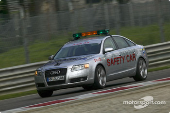 The new Audi A6 safety car