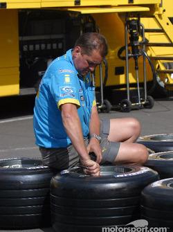 Renault F1 team member