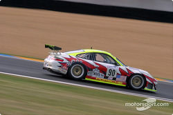 #90 White Lightning Racing Porsche 911 GT3 RSR: Sascha Maassen, Jorg Bergmeister, Patrick Long