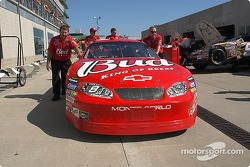 Little E's team prepares the #8 Budweiser Chevy