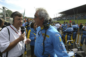 Flavio Briatore on the starting grid