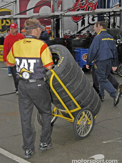 Tire moving