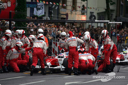 Panasonic Toyota Racing team during a pitstop