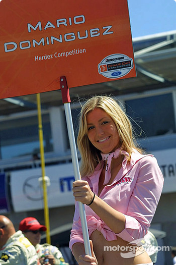 Mario Dominguez' grid girl