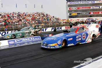 Skoal Showdown final: Gary Densham tops John Force, 4.89 to 5.08.