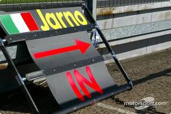 Jarno Trulli's pitboard